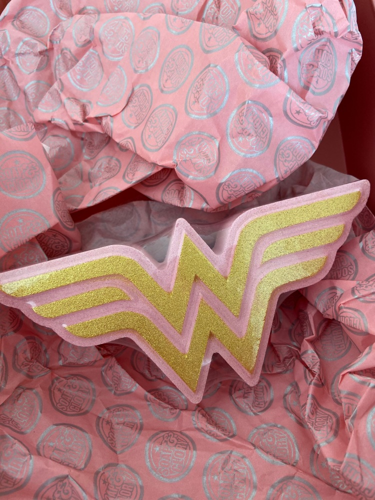 Wonder woman bath bomb